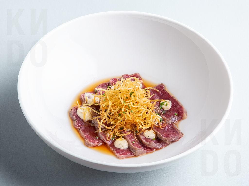 Татаки говядина с трюфельным соусом
